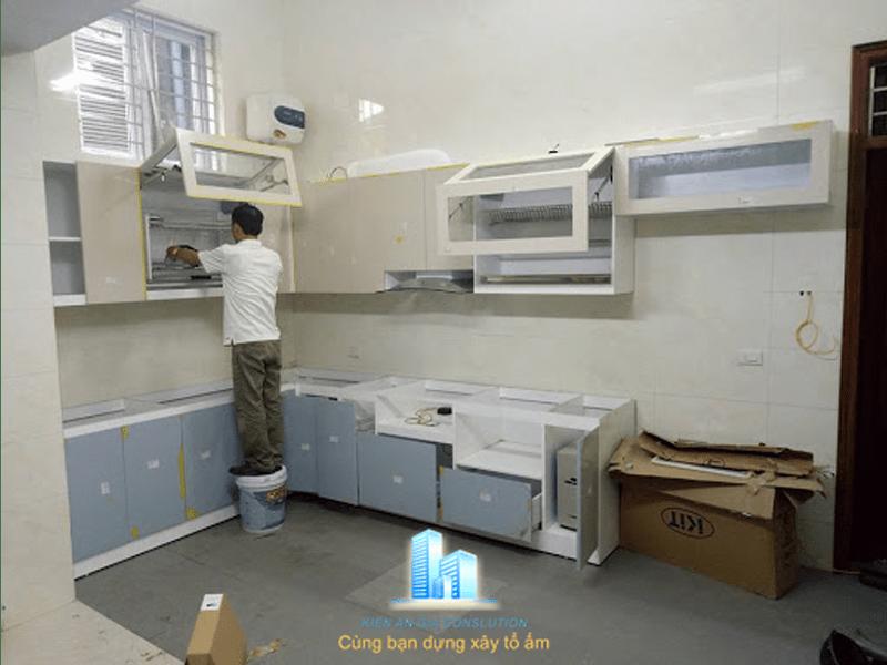 Thi công hoàn thiện nội thất bếp.