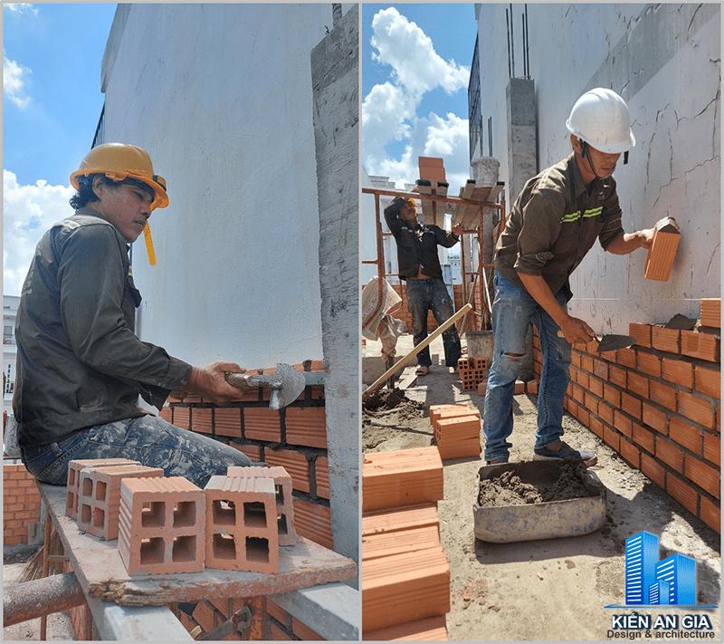 Thi công xây tường.